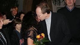 Novomanželský polibek Ester.