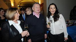 Josef Dvořák s manželkou Jájou (vlevo) a Heidi Janků.