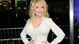 Dolly Parton na premiéře filmu Joyful Noise.