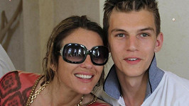 Elizabeth Hurley se synovcem Milesem Hurleym