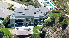 Tato fantastická rezidence je podle zpěvačky neobyvatelná.