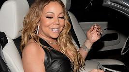 Zpěvačka Mariah Carey se cítí stále jako mladice