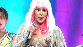 Cher prý diskriminuje černochy.