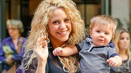 Shakira s mladším synem Sashou