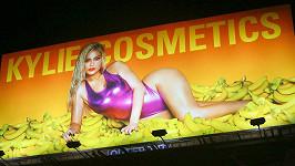 Kylie Jenner vybudovala kosmetický gigant