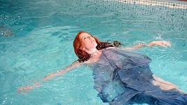Nikol Kouklová se pod vodou nebála.