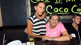 Martin Pouva s přítelkyní