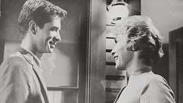 Janet Leigh a Anthony Perkins ve filmu Psycho