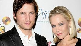 Manželství Jennie Garth a Petera Facinelliho je v troskách.