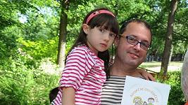 Josef Polášek má roztomilou dcerku.