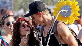Zamilovaná Vanessa se svým přítelem Austinem Butlerem.