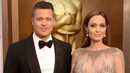 Brad a Angelina jsou konečně svobodní.