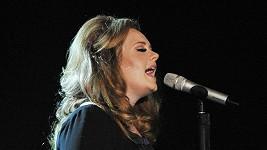 Zpěvačka Adele má pifku na svého otce.