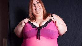 Sarah Rout svou váhou hodně riskuje.