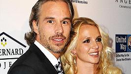 Britney Spears a Jason Trawick se po ročních zásnubách rozešli.