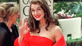 Róbu, v níž Brooke Shields dělala parádu v roce 1998, nyní oblékla i její dcera Rowan.