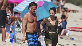 Sean Penn má i v padesáti skvělé tělo.