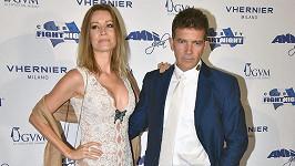 Antonio Banderas s přítelkyní Nicole Kimpel