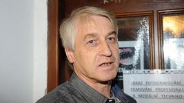 Josef Rychtář nedorazil k soudu. Bojí se trestu?