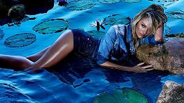 Candice Swanepoel v kampani pro brazilskou oděvní značku.