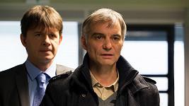 Jan Šťastný a Ivan Trojan v seriálu Vraždy v kruhu