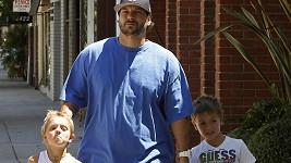 Je Kevin Federline ve skutečnosti otcem pouze jednoho ze synů s Britney Spears?