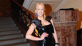 Kateřina Mátlová předvedla dokonalé křivky.