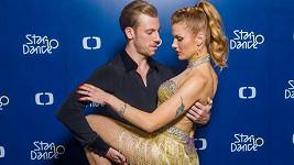 Gabriela Koukalová má prý blízko ke svému tanečníkovi.