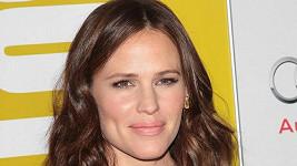 Jennifer Garner natáčení milostné scény s Hughem Jackmanem vyděsilo.