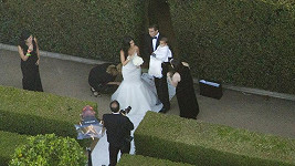 Kim se vdávala v šatech od Very Wang.