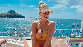 Kate Upton vystavila na odiv své pověstné křivky.