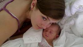 Ewa Farna s malou sestrou Magdalénou