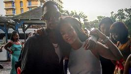 Zpěvačka Rihanna (29) truchlí pro svého bratrance (21), kterého zatřelili na Barbadosu.