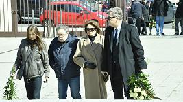 Zleva Miluše Voborníková, Petr Spálený a Marie Rottrová s manželem