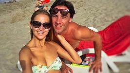 Roman Vojtek si s přítelkyní Petrou užívá krásnou dovolenou.