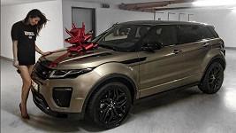Tento vánoční dárek nejspíš už nic netrumfne.