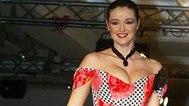 Iva Kubelková na snímku z roku 2005. Uvnitř článku foto z doby, kdy se stala vicemiss ČR.