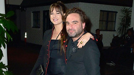 Johnny Galecki a Alaina Meyer