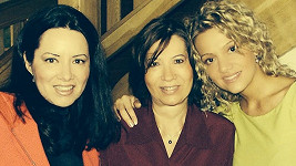 Dara Rolins se sestrou Janou a matkou Zlaticou