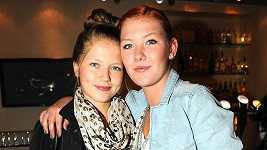 Debbi se sestrou Jacqueline.