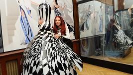 To je unikát. Matragi vytvořila skleněné šaty.