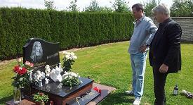Josef Rychtář chodí na prázdný hrob Ivety každý den.