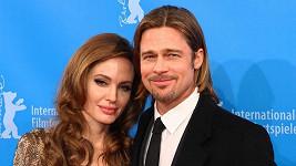 Angelina Jolie a Brad Pitt do toho musí praštit do tří měsíců.