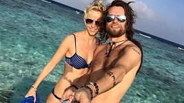Richard Krajčo s přítelkyní na Maledivách