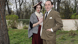 Pauhofová coby Lída Baarová s hereckým kolegou Karlem Markovicsem v roli nacistického pohlavára Goebbelse.