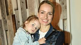 Markéta Divišová se svou mladší dcerou