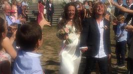 Kristýna Peterková a Kája Mařík se vzali.