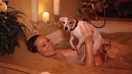 Mariah Carey a její zmáčený psík.