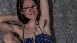 Dvaatřicetiletá Dana vyrůstala na Floridě, dnes žije v Portlandu.