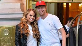Jakub Voráček s přítelkyní Nicol